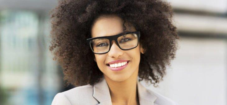 Aprenda a escolher a armação certa para o seu rosto - Tatiana Nahas d1cbe9bac1